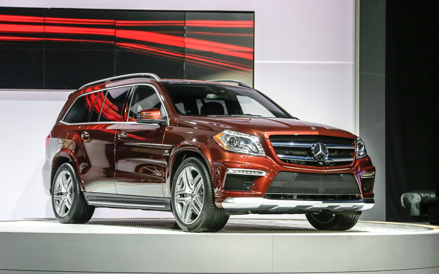 2013 Mercedes Benz GL63 AMG Front Three Quarters1